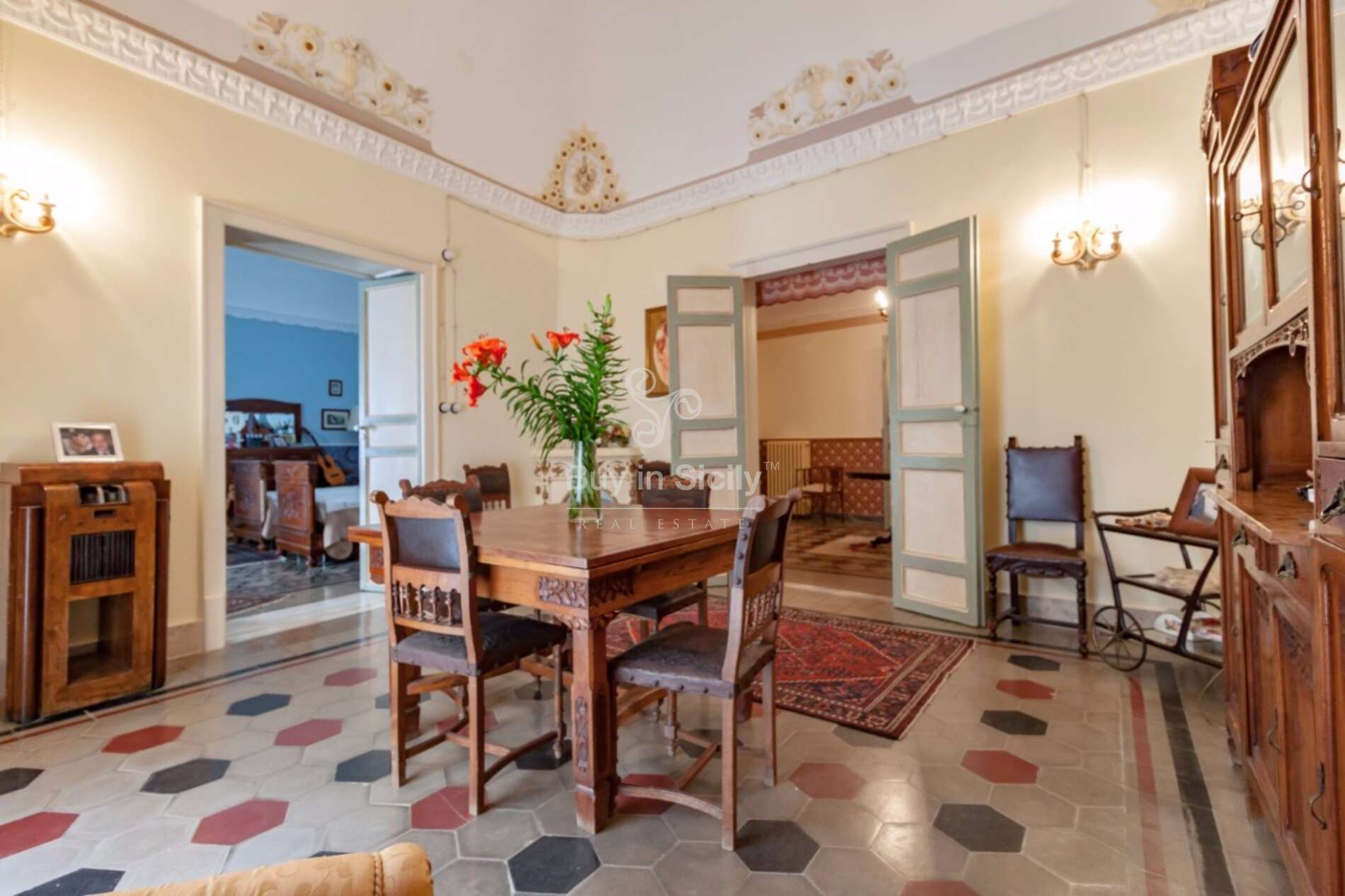 Aristocratic historic building in the heart of the historic centre of Piazza Armerina